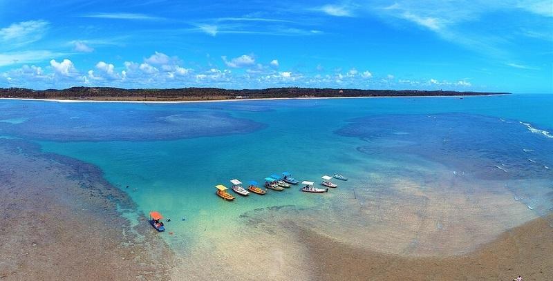 Mar azul cristalino de Maragogi