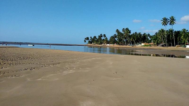 Praia de São Bento no litoral sul de Maragogi