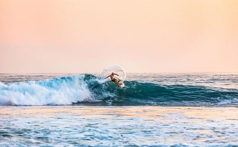 Surfe - Praia do Francês próxima a Maceió